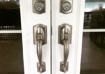 Schlage handleset for entry doors